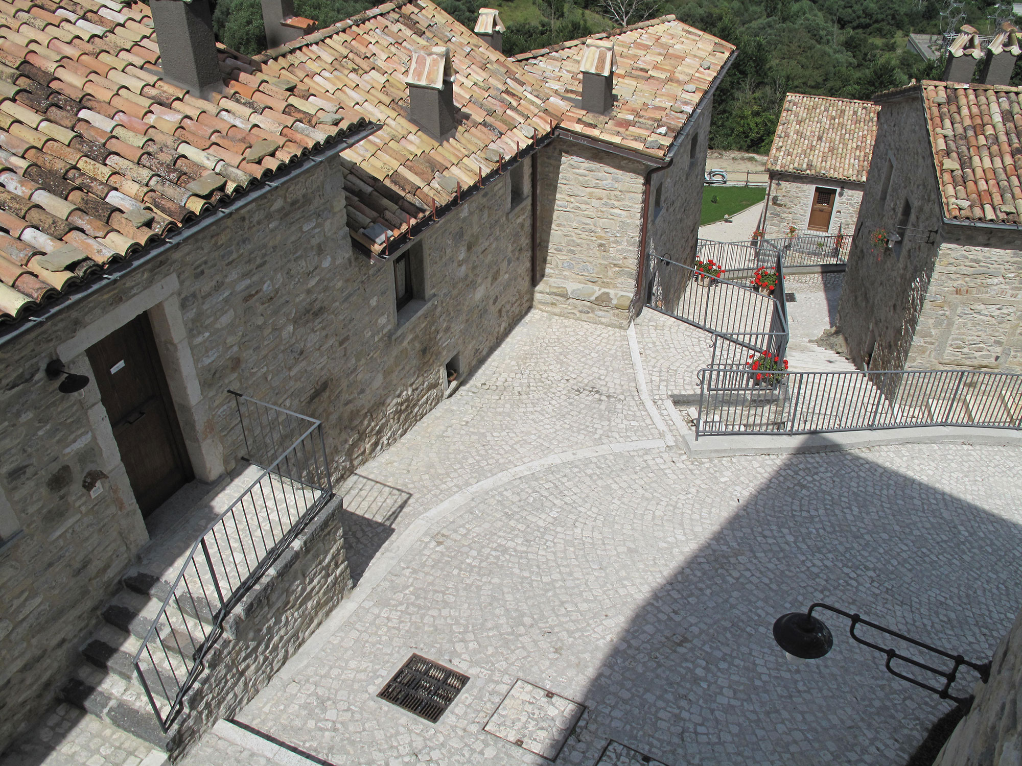 Restaurant and scattered hotel castel del giudice is for D amico arredamenti casoli